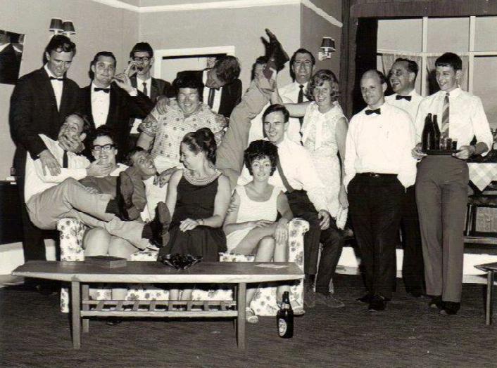 Reluctant Debutantet - Stage crew