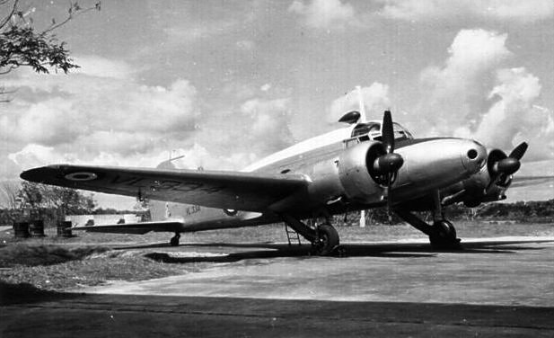 Seletar 1950s 1950-58 Anson (Avro) 81 Sqn VL334 - 1955 Seletar